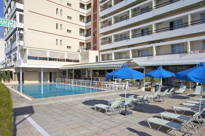 Hotel Pefkos (Limassol)