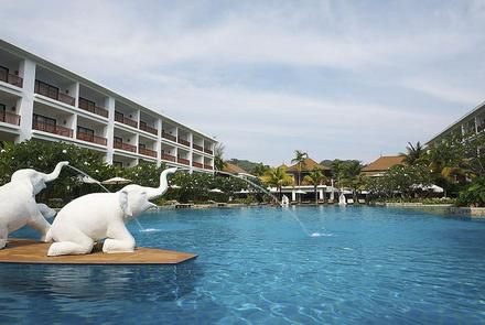 Hotel Naithonburi Beach Resort