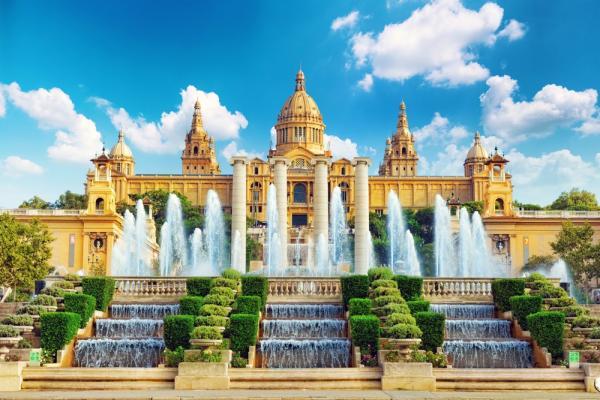 Muzeum Narodowe w Barcelonie, Placa De Espanya
