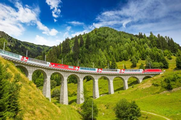 Kolej Retycka na linii Tirano - Sankt Moritz